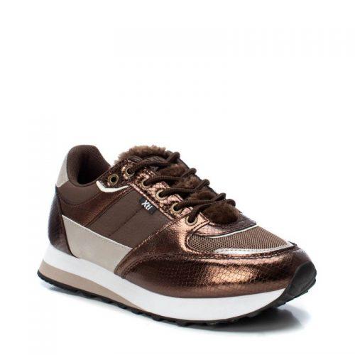 Sneaker color marrón de