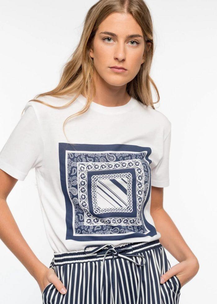 Camiseta blanca de Pasodoble en Palencia
