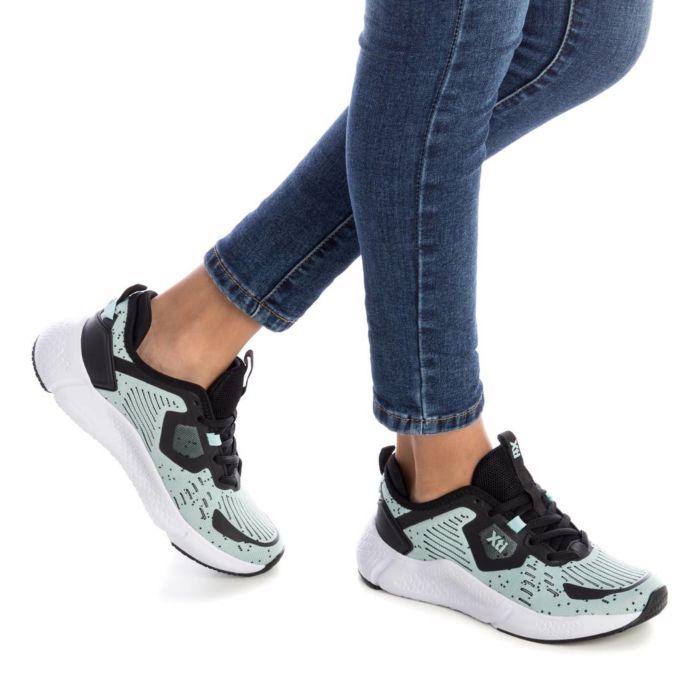 Sneaker elástica pasodoblemoda en Palencia
